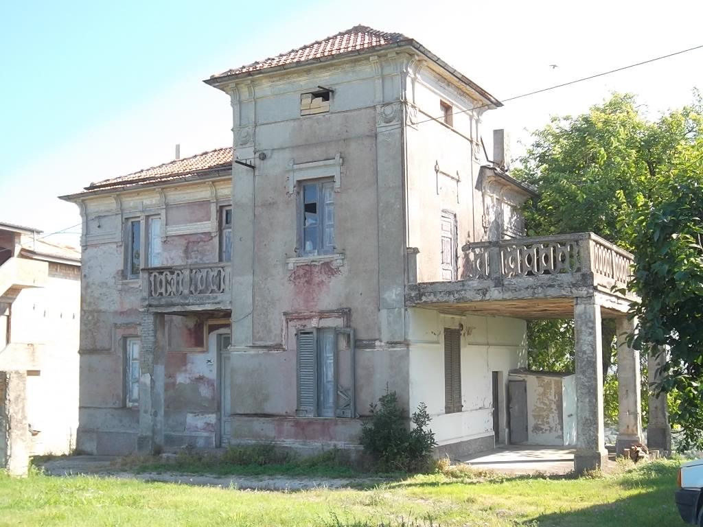 Casa indipendente in vendita scerni ch cod topre for Immagini case antiche interni